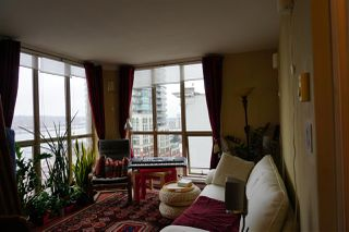 Photo 3: 903 680 CLARKSON Street in New Westminster: Downtown NW Condo for sale : MLS®# R2250922