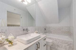 Photo 11: 2511 W 8TH AVENUE in Vancouver: Kitsilano House 1/2 Duplex for sale (Vancouver West)  : MLS®# R2229904
