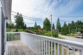 "Photo 12: 562 CYPRESS Place in Gibsons: Gibsons & Area House for sale in ""Woodcreek Park"" (Sunshine Coast)  : MLS®# R2284128"