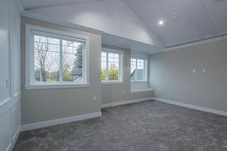 Photo 15: 7473 WILTSHIRE Drive in Surrey: East Newton House for sale : MLS®# R2319561