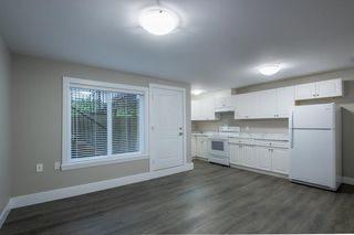 Photo 18: 7473 WILTSHIRE Drive in Surrey: East Newton House for sale : MLS®# R2319561