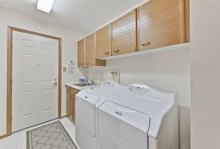 Photo 9: 151 COUNTRY CLUB Place in Edmonton: Zone 22 House Half Duplex for sale : MLS®# E4139678