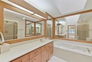 Photo 6: 151 COUNTRY CLUB Place in Edmonton: Zone 22 House Half Duplex for sale : MLS®# E4139678