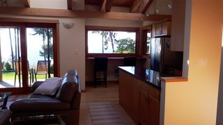 Photo 5: 1333 GOWER POINT Road in Gibsons: Gibsons & Area House for sale (Sunshine Coast)  : MLS®# R2335871