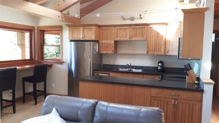 Photo 3: 1333 GOWER POINT Road in Gibsons: Gibsons & Area House for sale (Sunshine Coast)  : MLS®# R2335871