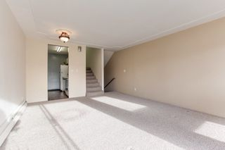 """Photo 5: 68 17712 60 Avenue in Surrey: Cloverdale BC Condo for sale in """"Clover park Gardens"""" (Cloverdale)  : MLS®# R2338391"""