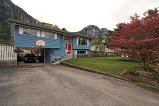 Main Photo: 38274 CHESTNUT Avenue in Squamish: Valleycliffe House for sale : MLS®# R2340684
