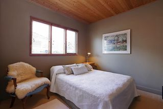 """Photo 17: 1296 BEDFORD Court in North Vancouver: Edgemont House for sale in """"Edgemont Village"""" : MLS®# R2341614"""