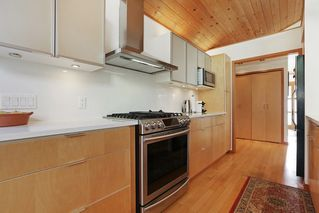 """Photo 10: 1296 BEDFORD Court in North Vancouver: Edgemont House for sale in """"Edgemont Village"""" : MLS®# R2341614"""