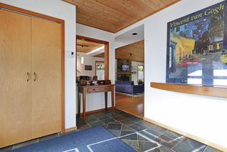 """Photo 2: 1296 BEDFORD Court in North Vancouver: Edgemont House for sale in """"Edgemont Village"""" : MLS®# R2341614"""