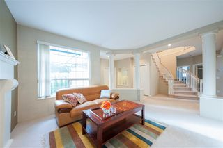 Photo 3: 1695 KINGFISHER Crescent in Coquitlam: Westwood Plateau House for sale : MLS®# R2357038