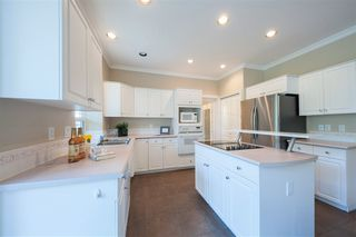 Photo 8: 1695 KINGFISHER Crescent in Coquitlam: Westwood Plateau House for sale : MLS®# R2357038