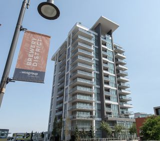 """Main Photo: 102 200 NELSON'S Crescent in New Westminster: Sapperton Condo for sale in """"SAPPERTON"""" : MLS®# R2358881"""