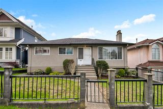 Photo 1: 3746 FRANCES Street in Burnaby: Willingdon Heights House for sale (Burnaby North)  : MLS®# R2361024