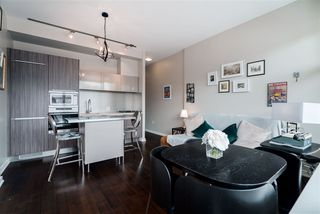 "Photo 3: 506 123 W 1ST Avenue in Vancouver: False Creek Condo for sale in ""COMPASS"" (Vancouver West)  : MLS®# R2363545"