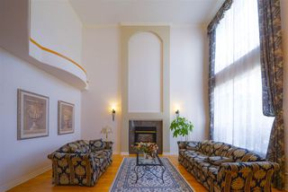 Photo 3: 3140 SILVERTHRONE Drive in Coquitlam: Westwood Plateau House for sale : MLS®# R2368088