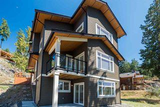 Main Photo: 933 FAIRWAY Lane: Bowen Island House for sale : MLS®# R2371211