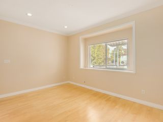 Photo 10: 1125 East 61st Avenue in Vancouver: South Vancouver Home for sale ()  : MLS®# R2002143