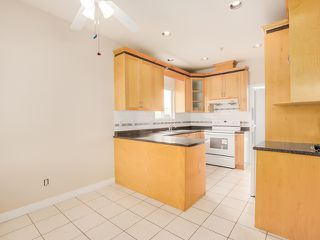 Photo 8: 1125 East 61st Avenue in Vancouver: South Vancouver Home for sale ()  : MLS®# R2002143