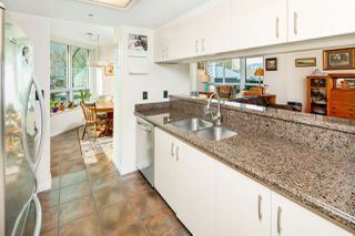 "Photo 12: 611 500 W 10TH Avenue in Vancouver: Fairview VW Condo for sale in ""Cambridge Court"" (Vancouver West)  : MLS®# R2381638"