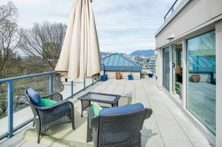 "Main Photo: 611 500 W 10TH Avenue in Vancouver: Fairview VW Condo for sale in ""Cambridge Court"" (Vancouver West)  : MLS®# R2381638"
