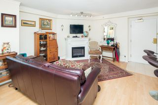 "Photo 8: 611 500 W 10TH Avenue in Vancouver: Fairview VW Condo for sale in ""Cambridge Court"" (Vancouver West)  : MLS®# R2381638"