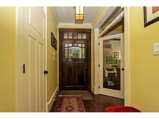 Photo 2: 638 HILLCREST Street in Coquitlam: Home for sale : MLS®# V1109900