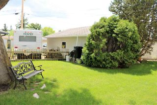 Photo 3: 11735 44 Avenue in Edmonton: Zone 16 House for sale : MLS®# E4163068