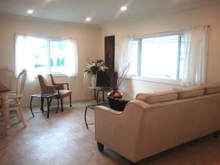"""Photo 6: 7 31313 LIVINGSTONE Avenue in Abbotsford: Abbotsford West Manufactured Home for sale in """"Paradise Park"""" : MLS®# R2384113"""
