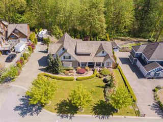 Main Photo: 7682 161 Street in Surrey: Fleetwood Tynehead House for sale : MLS®# R2385013