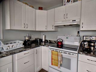Photo 11: 9811 163 Avenue in Edmonton: Zone 27 House for sale : MLS®# E4170896