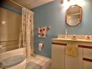 Photo 10: 9811 163 Avenue in Edmonton: Zone 27 House for sale : MLS®# E4170896