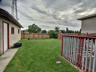 Photo 4: 9811 163 Avenue in Edmonton: Zone 27 House for sale : MLS®# E4170896