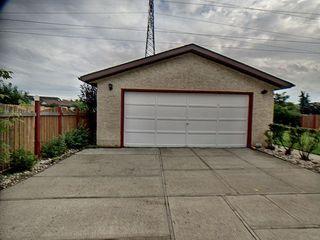 Photo 6: 9811 163 Avenue in Edmonton: Zone 27 House for sale : MLS®# E4170896
