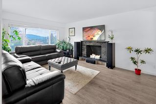 Photo 2: 4377 MOUNTAIN Highway in North Vancouver: Lynn Valley House for sale : MLS®# R2410156