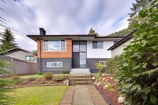 Photo 1: 4377 MOUNTAIN Highway in North Vancouver: Lynn Valley House for sale : MLS®# R2410156