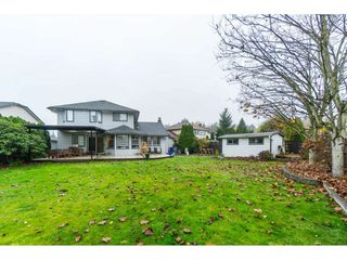 "Photo 2: 16089 93 Avenue in Surrey: Fleetwood Tynehead House for sale in ""MAPLE GLEN"" : MLS®# R2421080"