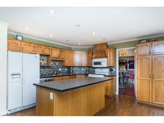 "Photo 7: 16089 93 Avenue in Surrey: Fleetwood Tynehead House for sale in ""MAPLE GLEN"" : MLS®# R2421080"