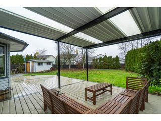 "Photo 18: 16089 93 Avenue in Surrey: Fleetwood Tynehead House for sale in ""MAPLE GLEN"" : MLS®# R2421080"