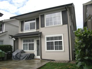 Photo 3: 5 19490 FRASER Way in KINGFISHER: Home for sale : MLS®# V1053406