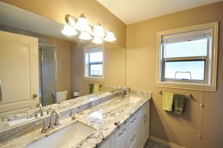 """Photo 18: 8916 206 Street in Langley: Walnut Grove House for sale in """"Forest Creek"""" : MLS®# R2433057"""