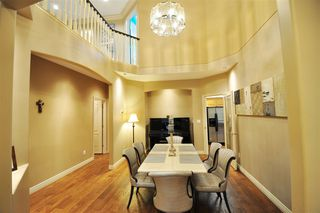 """Photo 5: 8916 206 Street in Langley: Walnut Grove House for sale in """"Forest Creek"""" : MLS®# R2433057"""