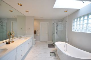 """Photo 15: 8916 206 Street in Langley: Walnut Grove House for sale in """"Forest Creek"""" : MLS®# R2433057"""