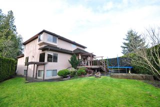 """Photo 19: 8916 206 Street in Langley: Walnut Grove House for sale in """"Forest Creek"""" : MLS®# R2433057"""