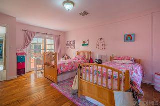 Photo 18: LA JOLLA House for sale : 4 bedrooms : 8946 La Jolla Scenic Dr N.