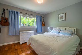 Photo 17: LA JOLLA House for sale : 4 bedrooms : 8946 La Jolla Scenic Dr N.