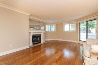 Photo 3: 111 1560 Hillside Ave in : Vi Oaklands Condo Apartment for sale (Victoria)  : MLS®# 851555