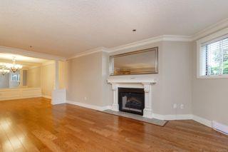 Photo 6: 111 1560 Hillside Ave in : Vi Oaklands Condo Apartment for sale (Victoria)  : MLS®# 851555