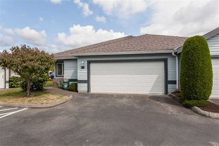 "Photo 2: 55 5550 LANGLEY Bypass in Langley: Langley City Townhouse for sale in ""RIVERWYNDE"" : MLS®# R2485816"