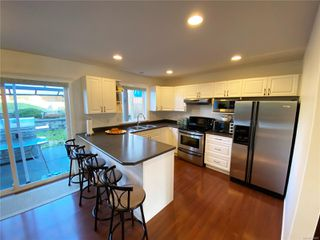 Photo 4: 2258 Stirling Pl in : CV Courtenay East House for sale (Comox Valley)  : MLS®# 854429